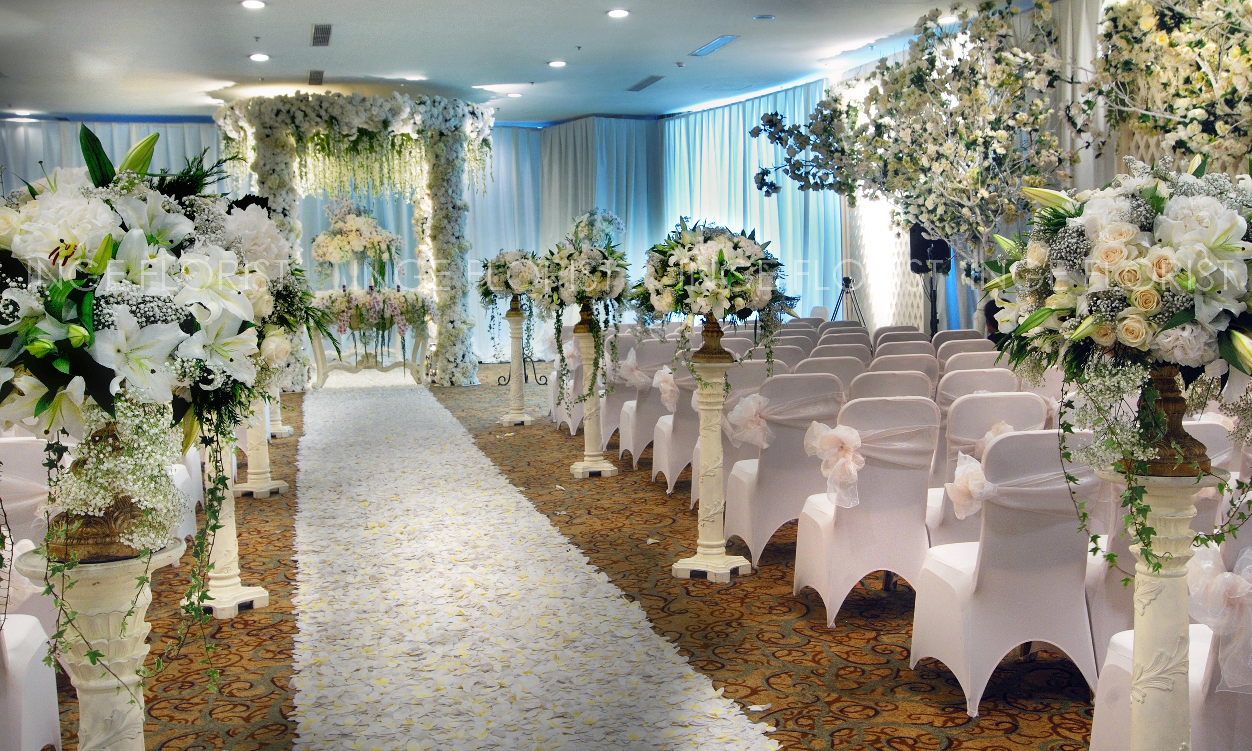 Decoration photo inge florist wedding decoration dekorasi decoration aisle wedding decoration junglespirit Images