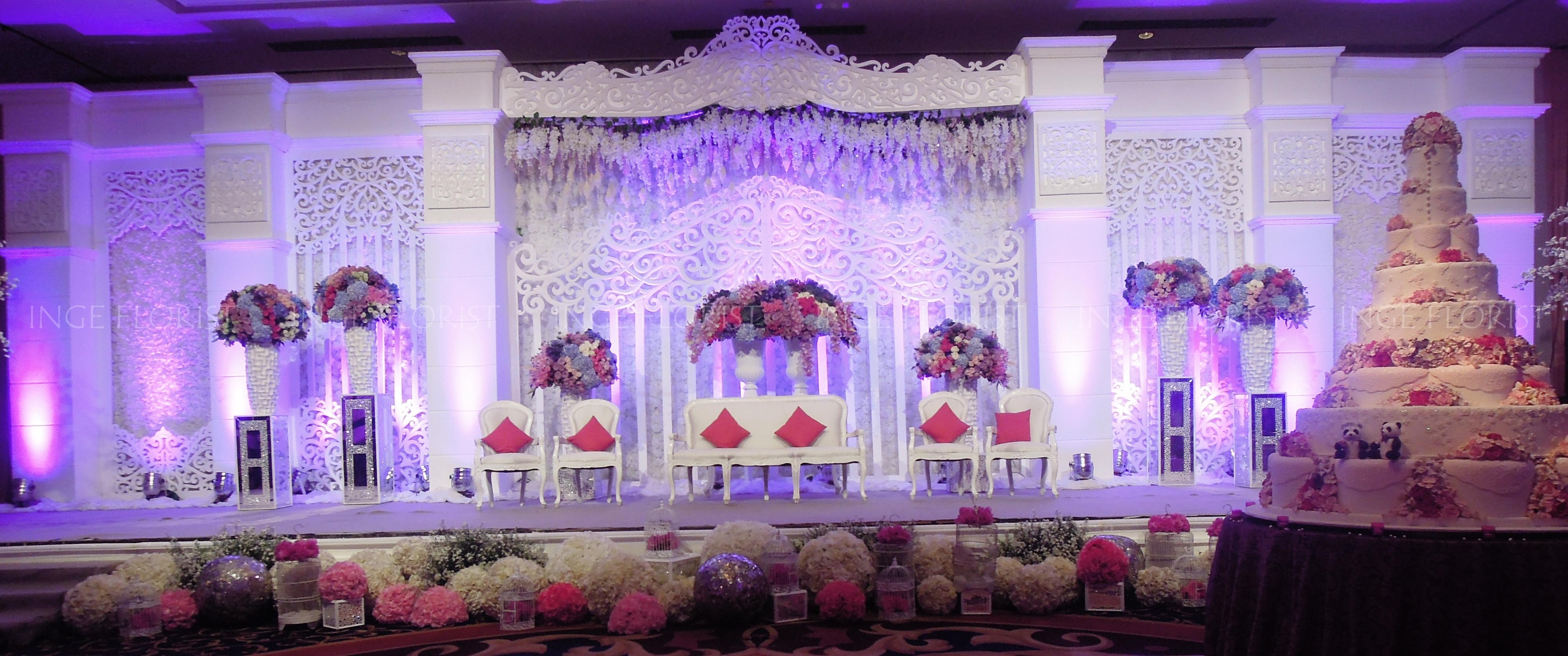 Pelaminan inge florist wedding decoration dekorasi pernikahan p if 11 junglespirit Image collections