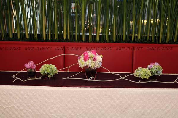 Church » TABLE FLOWER ARRANGEMENT