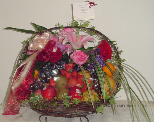 Fruit basket decoration wedding billingsblessingbags fruit basket inge florist wedding decoration dekorasi junglespirit Gallery